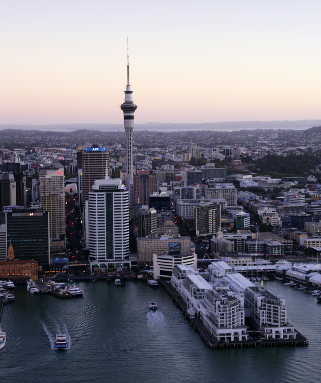 Sky Tower - Photo Gallery Auckland Rotorua